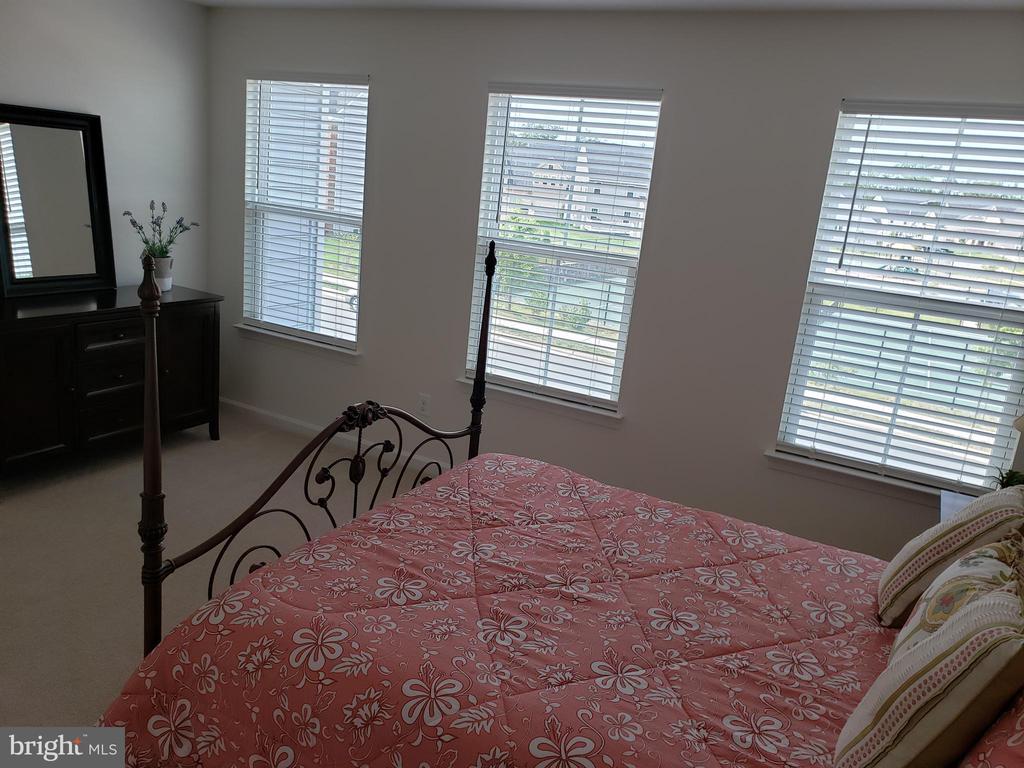 BEDROOM 4 W/WINDOWS - 12409 MAYS QUARTER RD, WOODBRIDGE