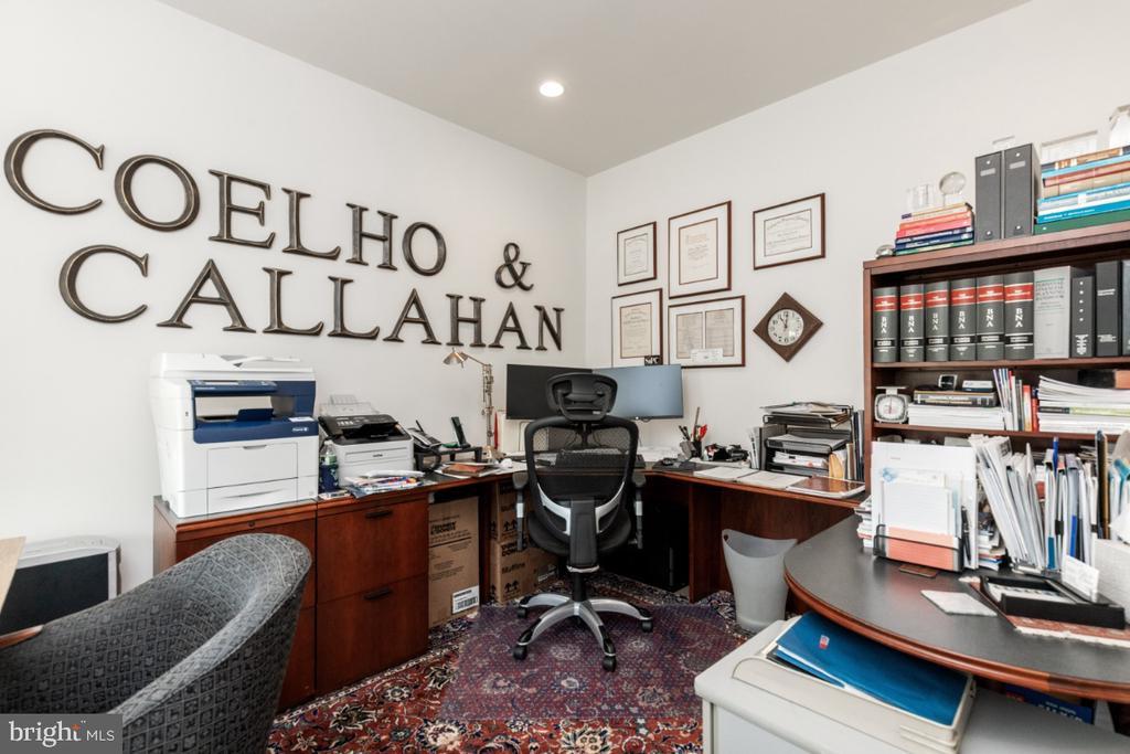 Office - 24083 AUDUBON TRAIL DR, ALDIE