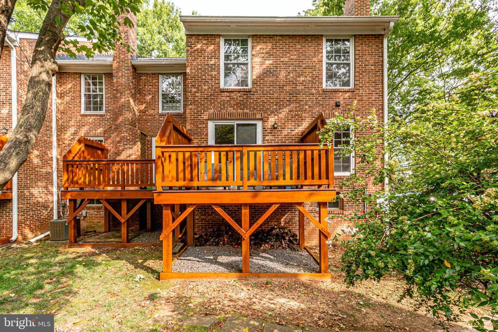 REAR ELEVATION AND PRIVATE DECK - 2440 S WALTER REED DR #1, ARLINGTON