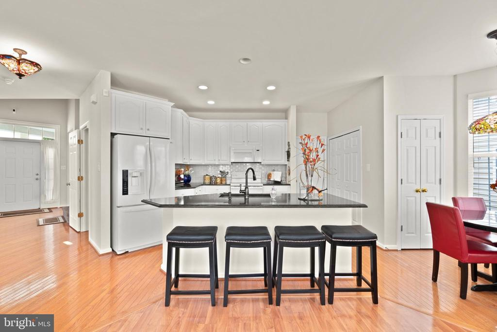 Open Kitchen - 9434 STILSON DR, MANASSAS