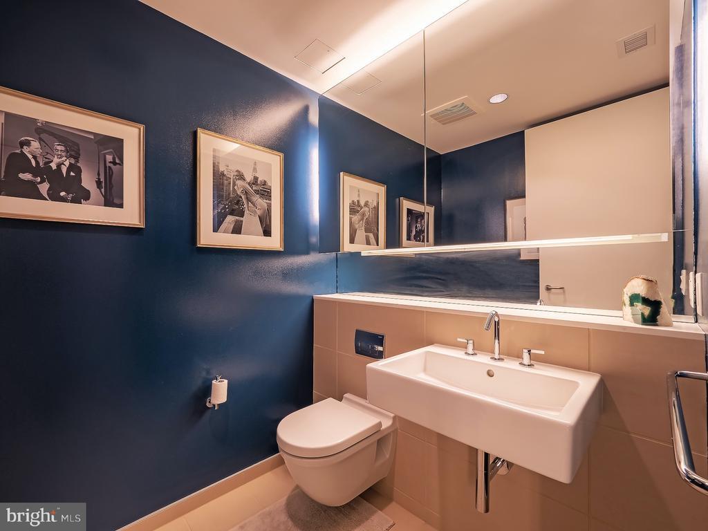 Powder Room - 925 H ST NW #810, WASHINGTON