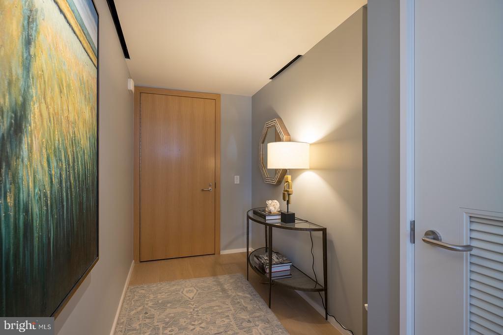 Penthouse Entrance - 925 H ST NW #810, WASHINGTON