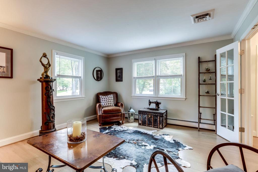 Living Room is Bright with View of Front & Side - 11914 WAYLAND ST, OAKTON