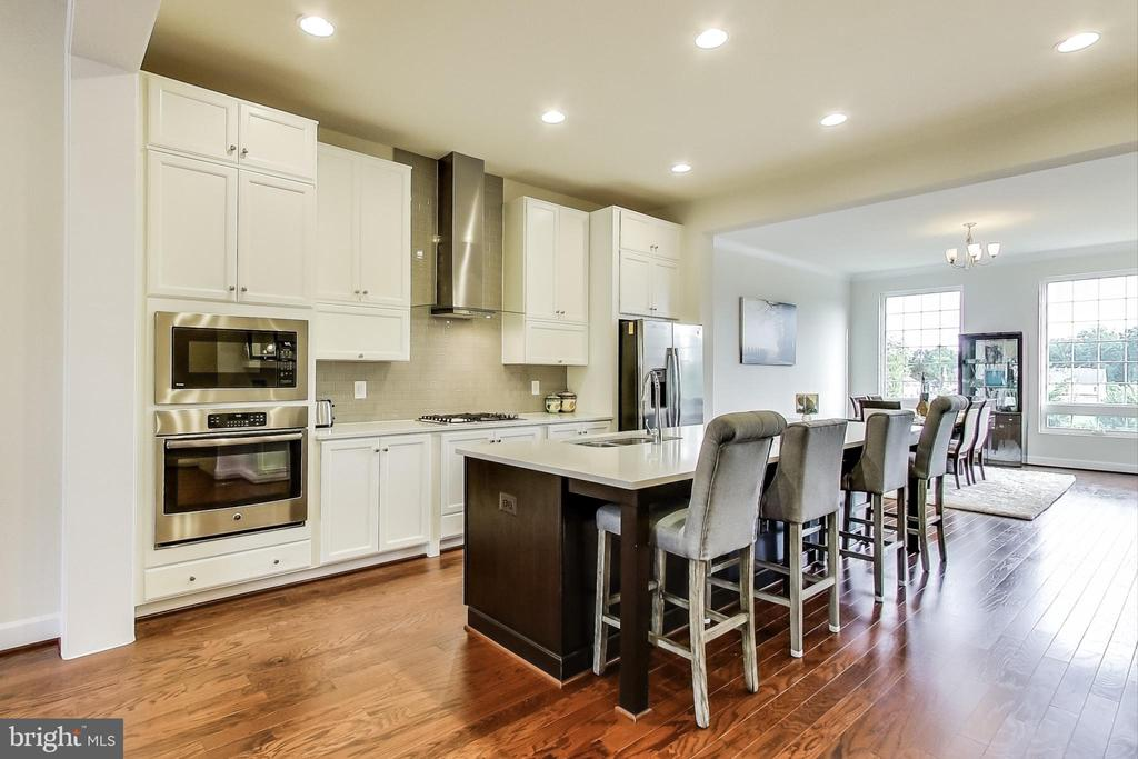 Beautiful Kitchen - 23148 BROOKSBANK SQ, BRAMBLETON