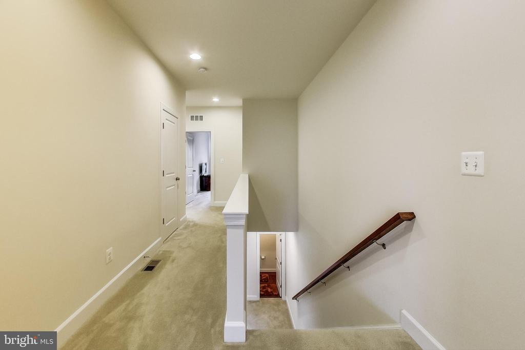 Hallway - 23148 BROOKSBANK SQ, BRAMBLETON