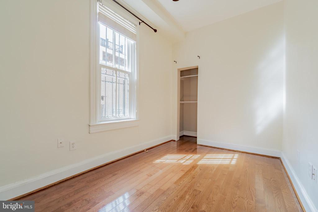 2 bedroom - 1133 D ST NE, WASHINGTON