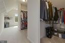 Spacious primary closet - 20669 PERENNIAL LN, ASHBURN