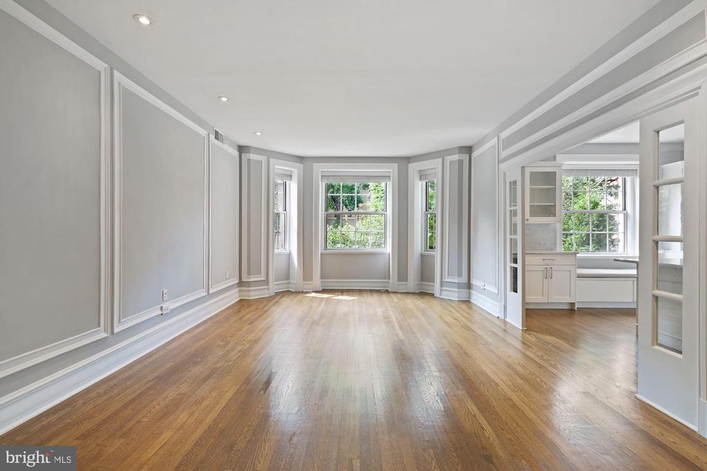 Entering this Amazing Dupont Circle Condo - 1801 16TH ST NW #105, WASHINGTON