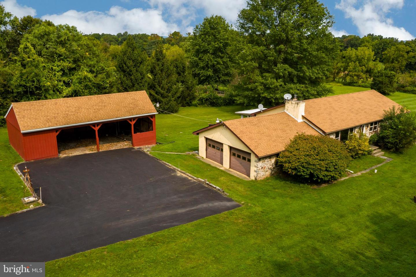 Single Family Homes for Sale at Spring City, Pennsylvania 19475 United States