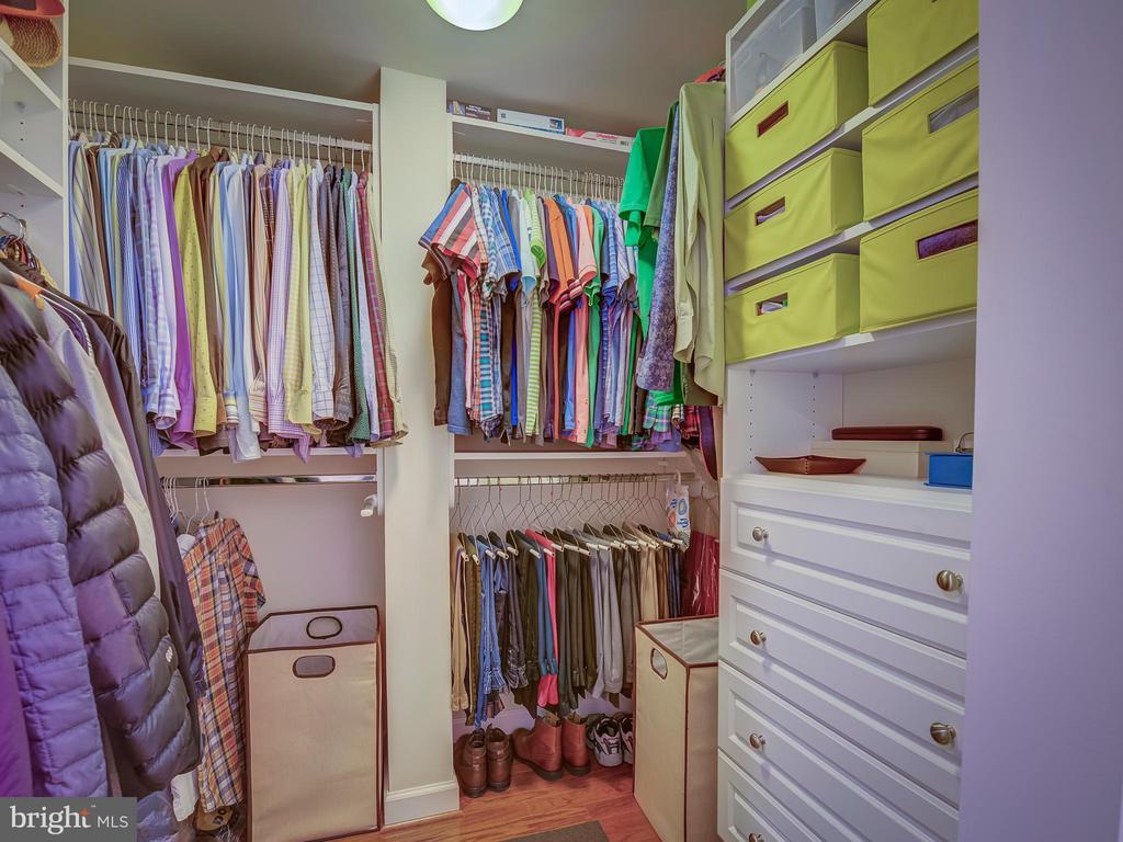 Master closet - 4141 S FOUR MILE RUN DR #104, ARLINGTON