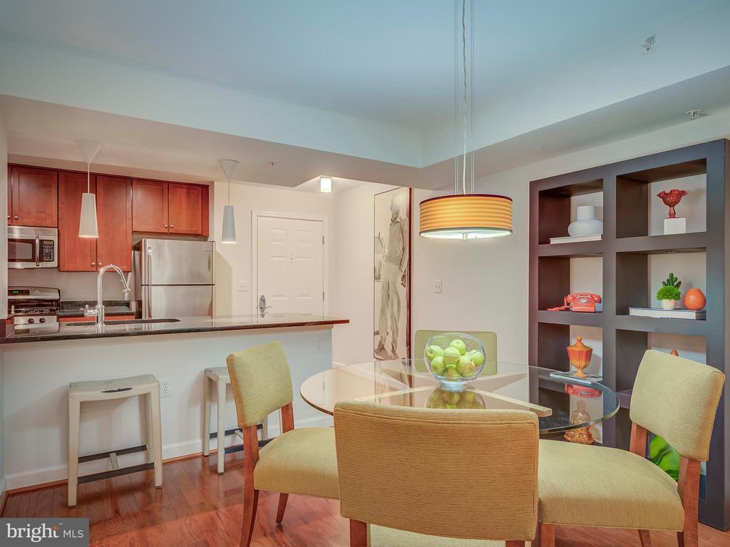 Dining room kitchen bar - 4141 S FOUR MILE RUN DR #104, ARLINGTON