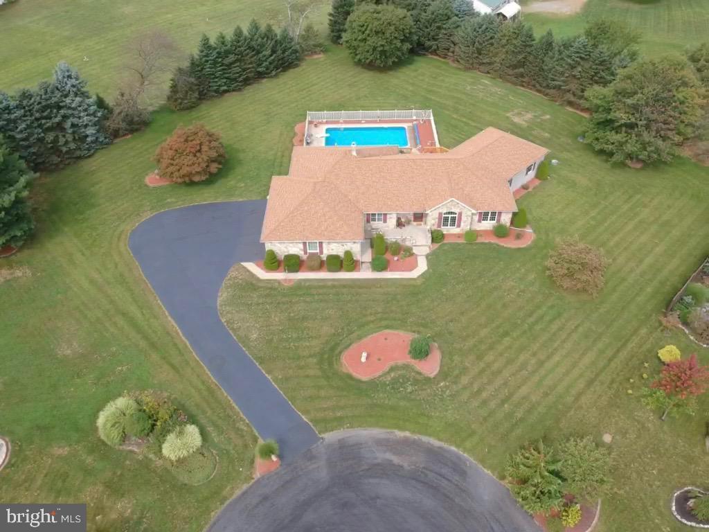 Single Family Homes per Vendita alle ore Elizabethville, Pensilvania 17023 Stati Uniti