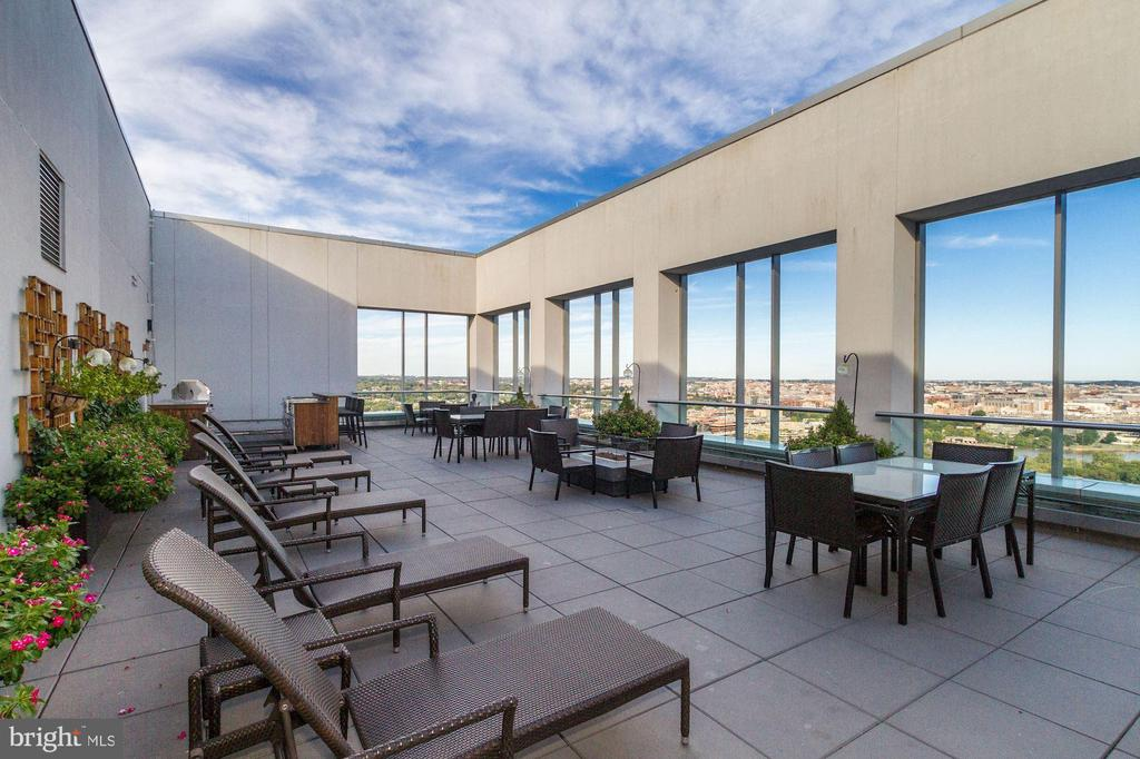 Large rooftop - 1111 19TH ST N #1706, ARLINGTON