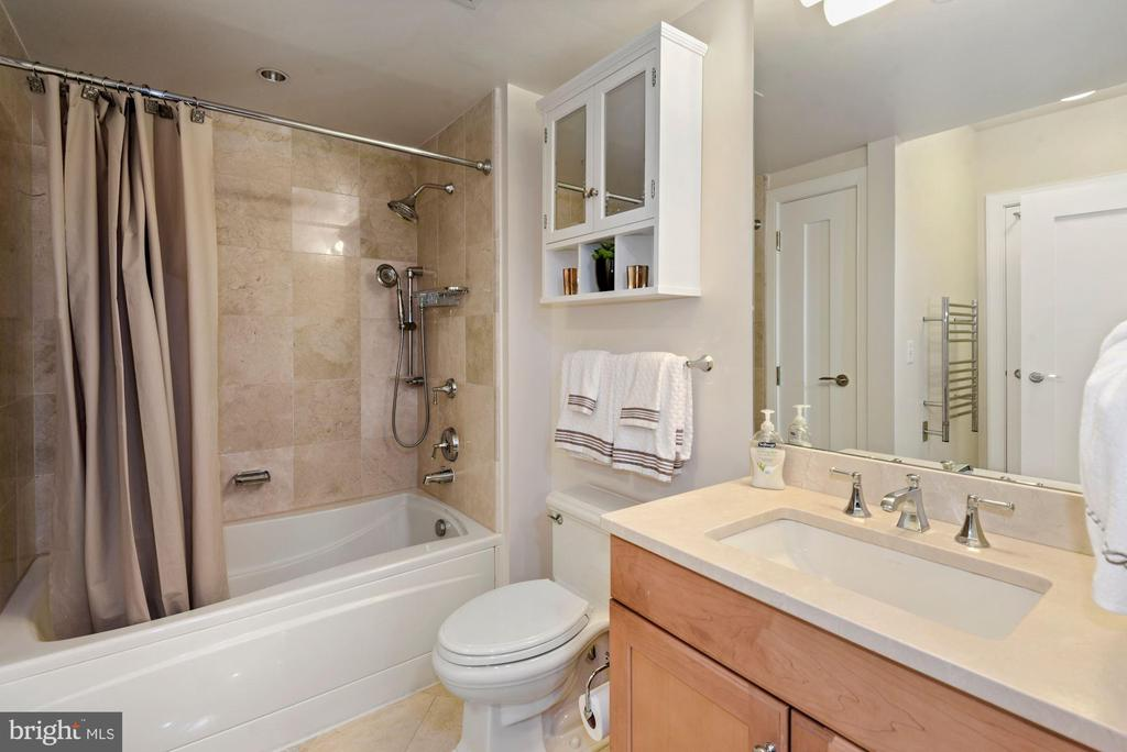 Bathroom - 1111 19TH ST N #1706, ARLINGTON