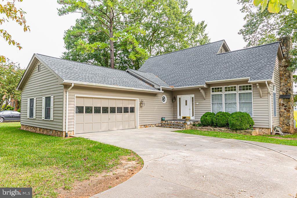 Single Family Homes için Satış at Tappahannock, Virginia 22560 Amerika Birleşik Devletleri