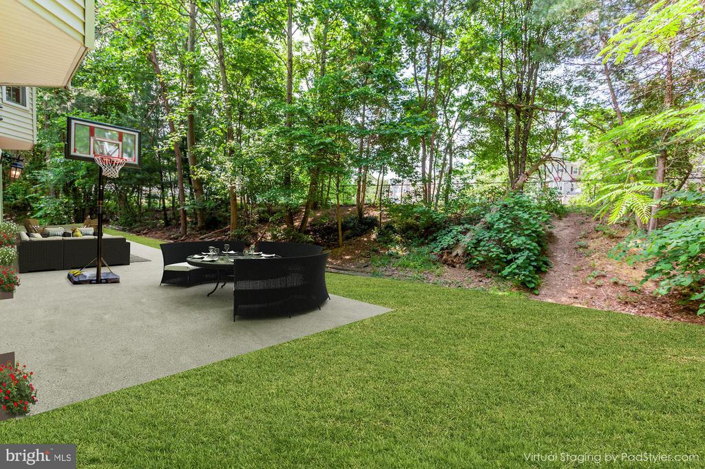 Inspiration only for backyard patio - 16215 CYPRESS CT, DUMFRIES