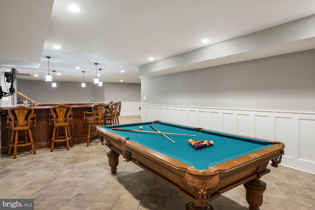 Billiards Area - 3629 N VERMONT ST, ARLINGTON