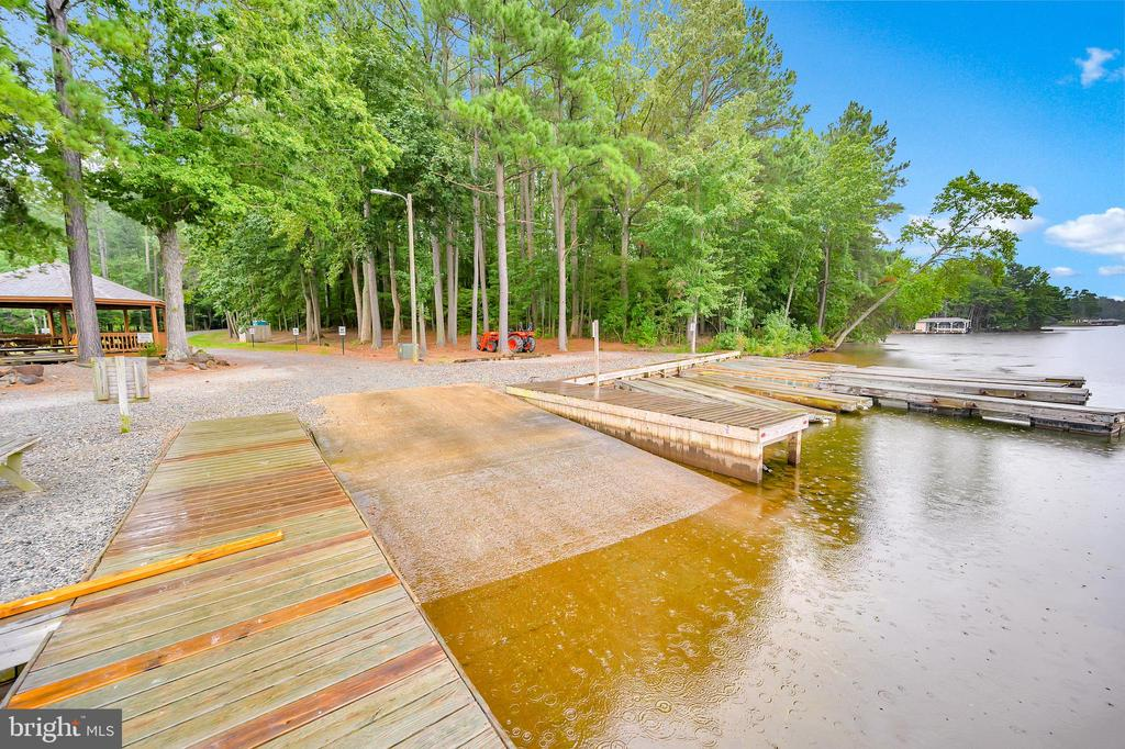 - 297 MOODY CREEK RD, BUMPASS