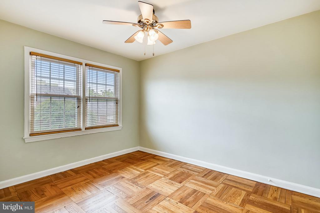Large Second Bedroom - 6716 W WAKEFIELD DR #C2, ALEXANDRIA