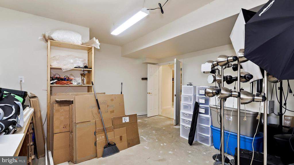Big store room for misc. larger items. - 1414 WYNHURST LN, VIENNA