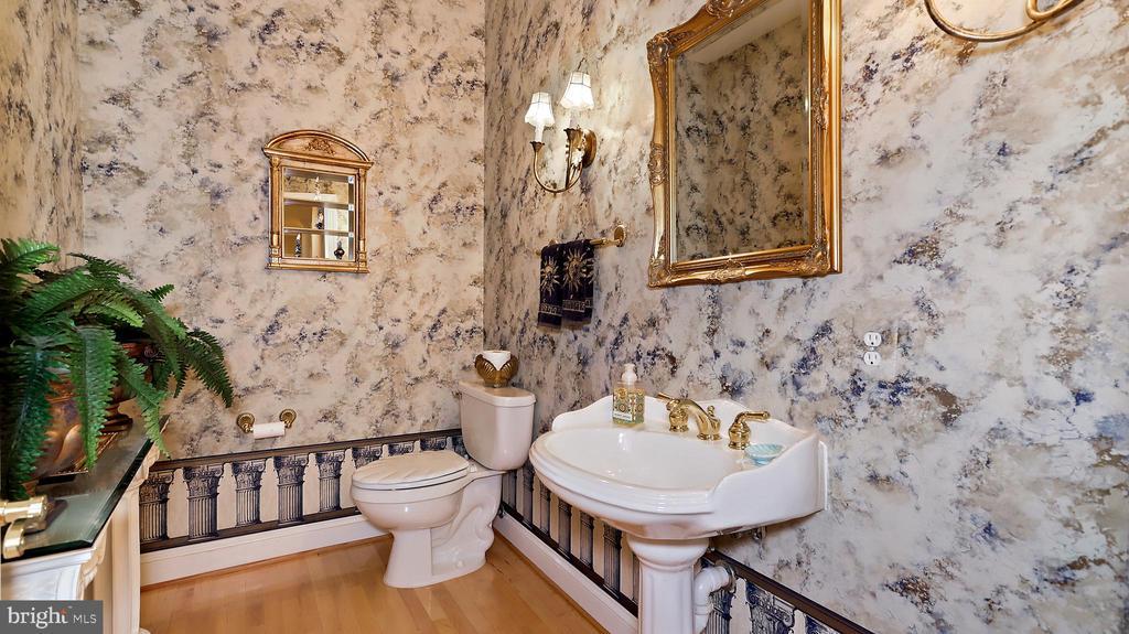 Formal Powder Rm - 1 of 2 main floor half baths. - 1414 WYNHURST LN, VIENNA