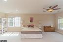 Gorgeous master suite with a separate sitting area - 43829 RIVERPOINT DR, LEESBURG