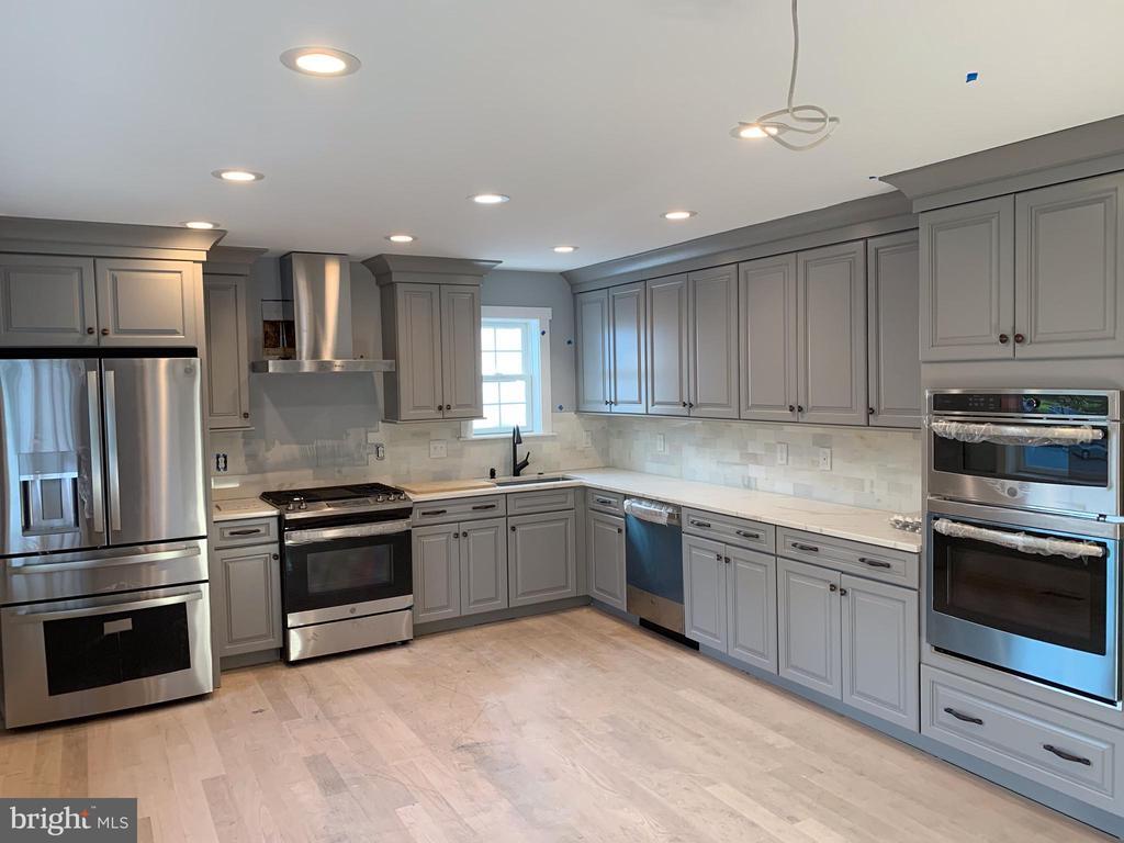 Kitchen - 5148 11TH ST S, ARLINGTON