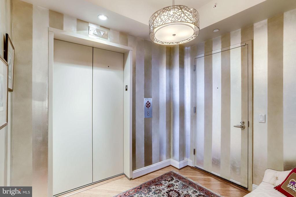 Elegant Foyer - 1881 N NASH ST #1411, ARLINGTON