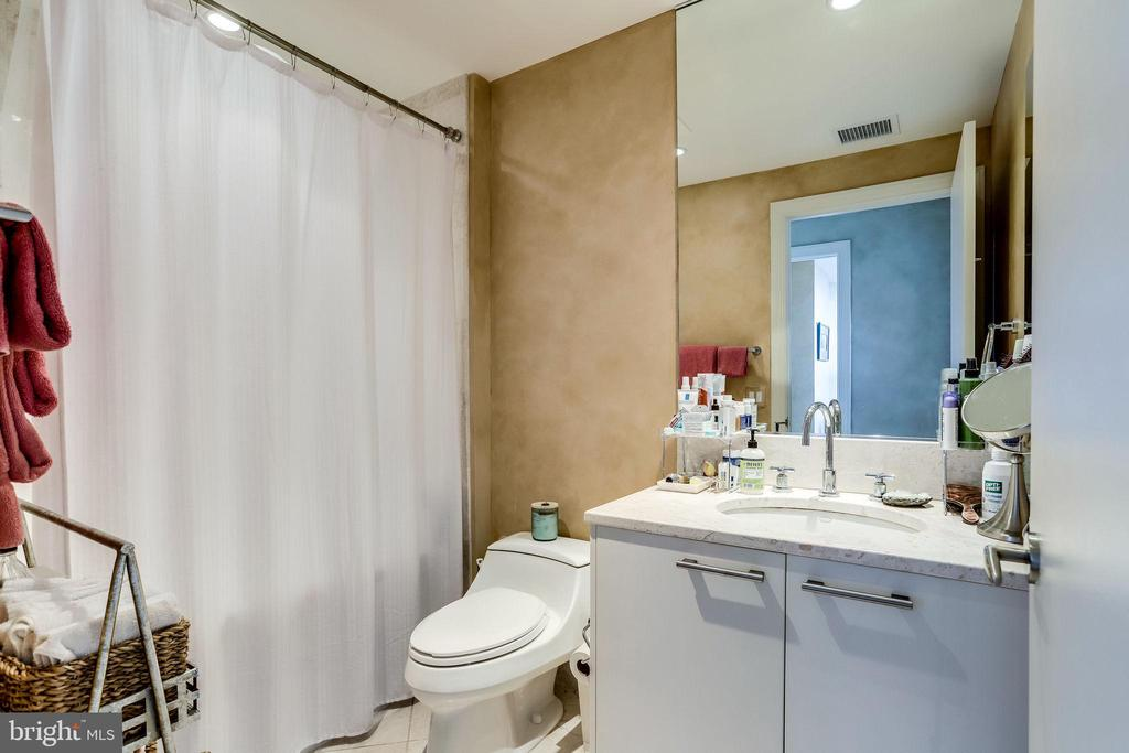 Second Full Bathroom - 1881 N NASH ST #1411, ARLINGTON