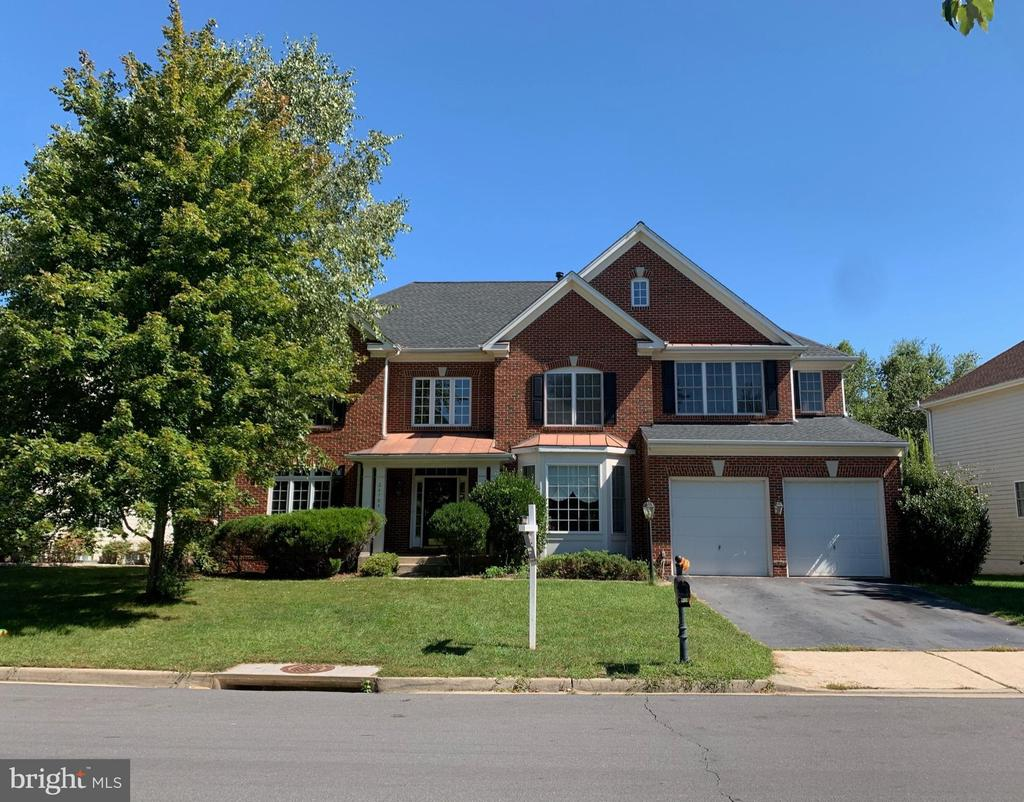 Welcome home! - 24784 HIGH PLATEAU CT, ALDIE