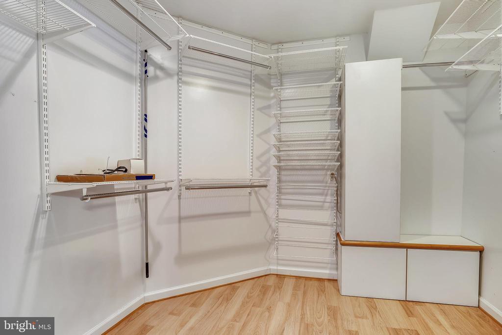 Primary Bedroom Walk-in closet - 2922 24TH ST N, ARLINGTON