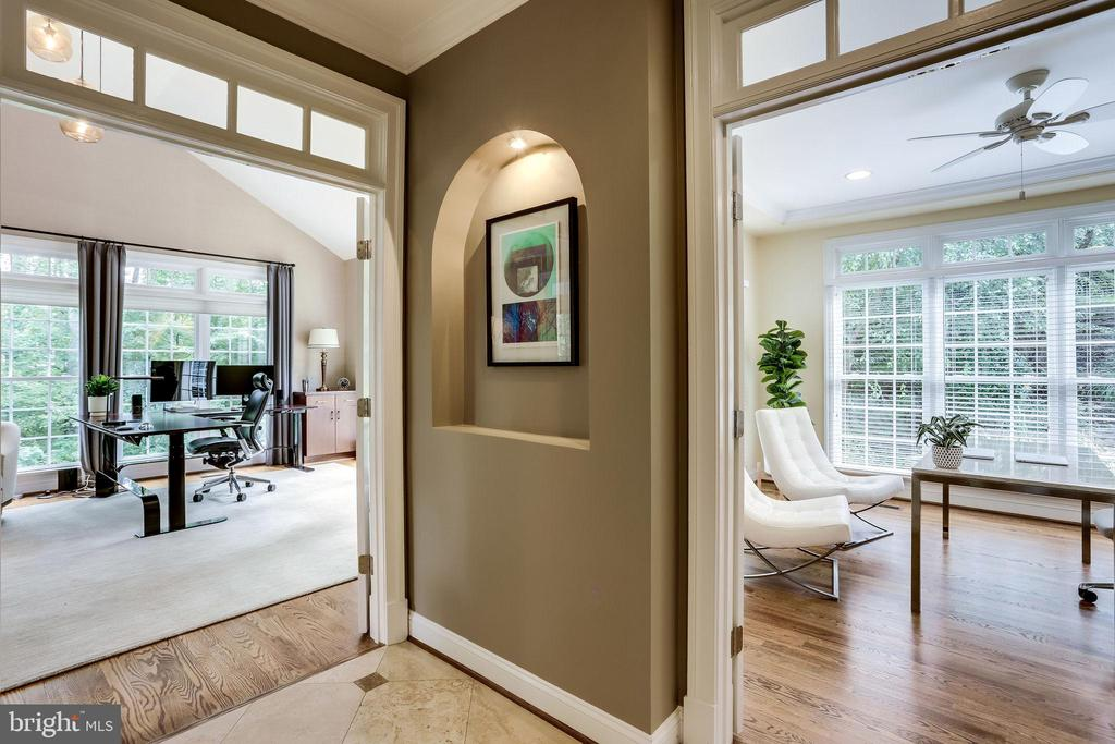 Highlight your favorite artwork in this niche - 2124 POLO POINTE DR, VIENNA