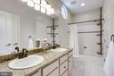 Upper level master bathroom - 2124 POLO POINTE DR, VIENNA