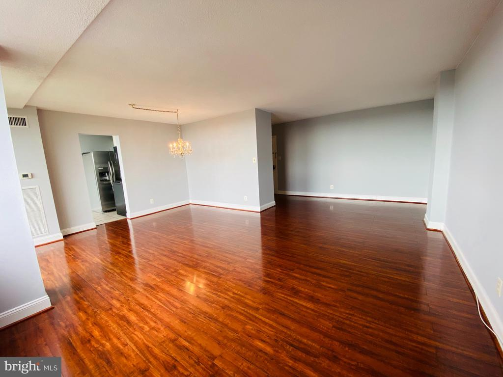 View from Living Room area - 501 SLATERS LN #906, ALEXANDRIA