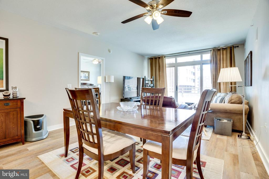 Dining Room - Living Room with Doors to Balcony - 888 N QUINCY ST #512, ARLINGTON