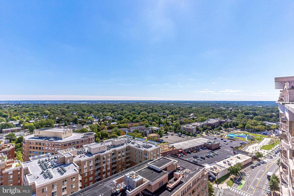 Expansive Views from Rooftop Terrace - 888 N QUINCY ST #512, ARLINGTON