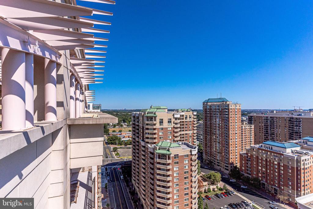 Views - 888 N QUINCY ST #512, ARLINGTON
