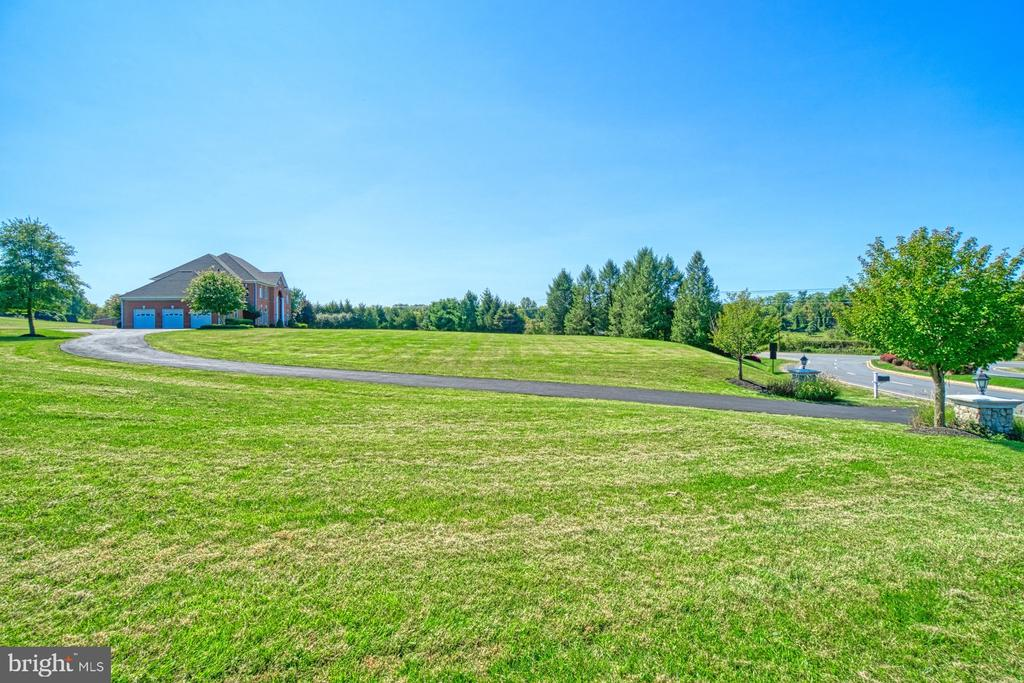 Great Driveway - 40163 BEACON HILL DR, LEESBURG