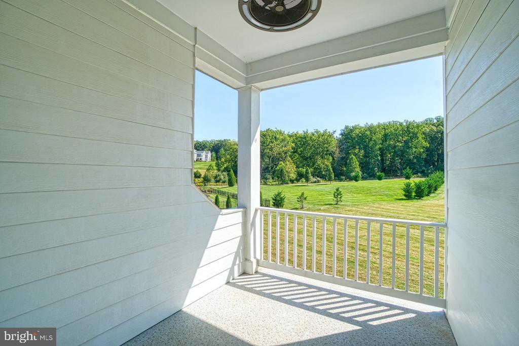 Master Bedroom Covered Porch - 40163 BEACON HILL DR, LEESBURG