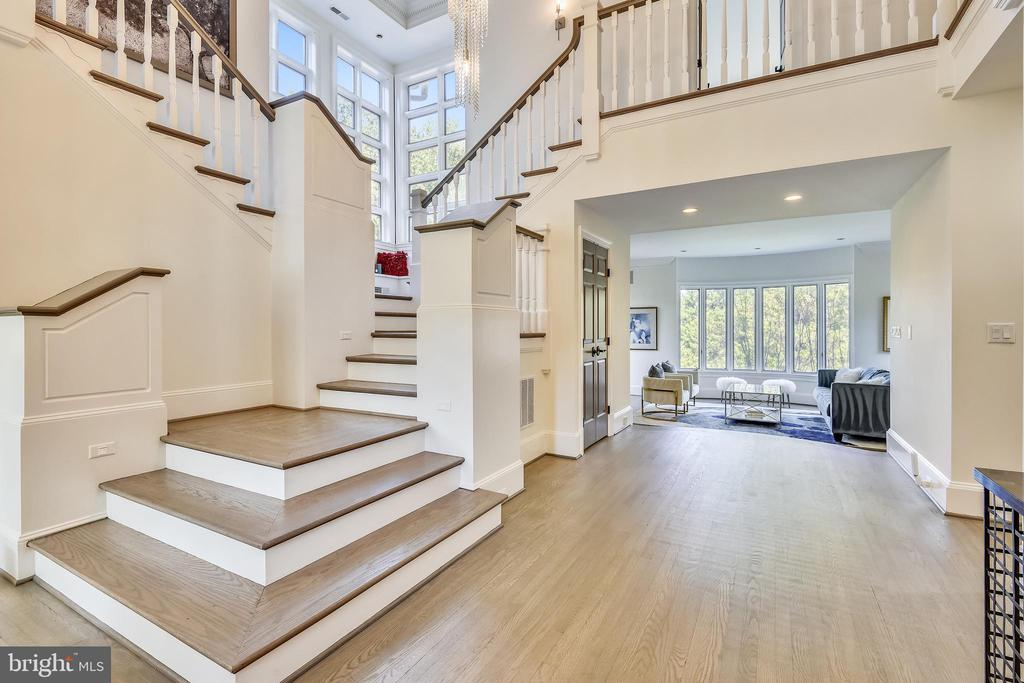 Grand Two-Story Entry Way - 40850 ROBIN CIR, LEESBURG