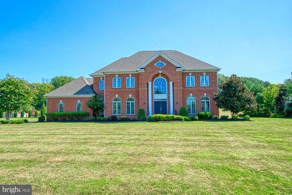 Great Estate Feel - 40163 BEACON HILL DR, LEESBURG