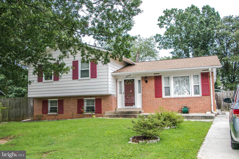 Single Family Homes för Försäljning vid Lanham, Maryland 20706 Förenta staterna