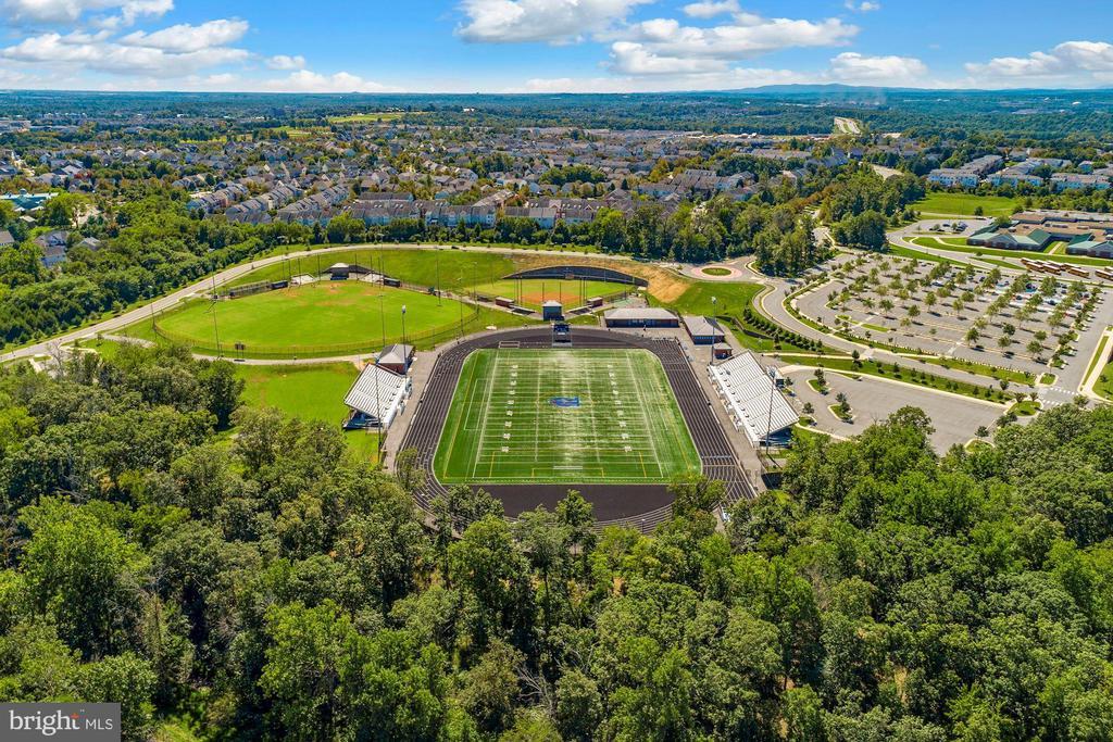 Riverside High School and Football Stadium - 44220 RIVERPOINT DR, LEESBURG