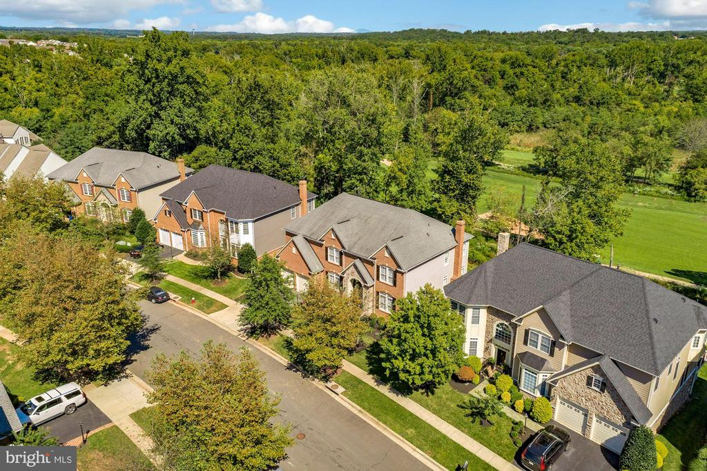 - 44220 RIVERPOINT DR, LEESBURG