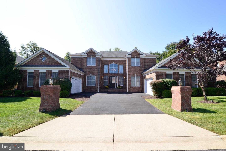 Single Family Homes para Venda às Ashburn, Virginia 20147 Estados Unidos