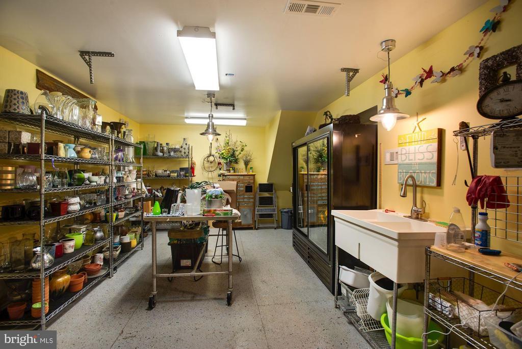 Floral Studio - 3629 N VERMONT ST, ARLINGTON