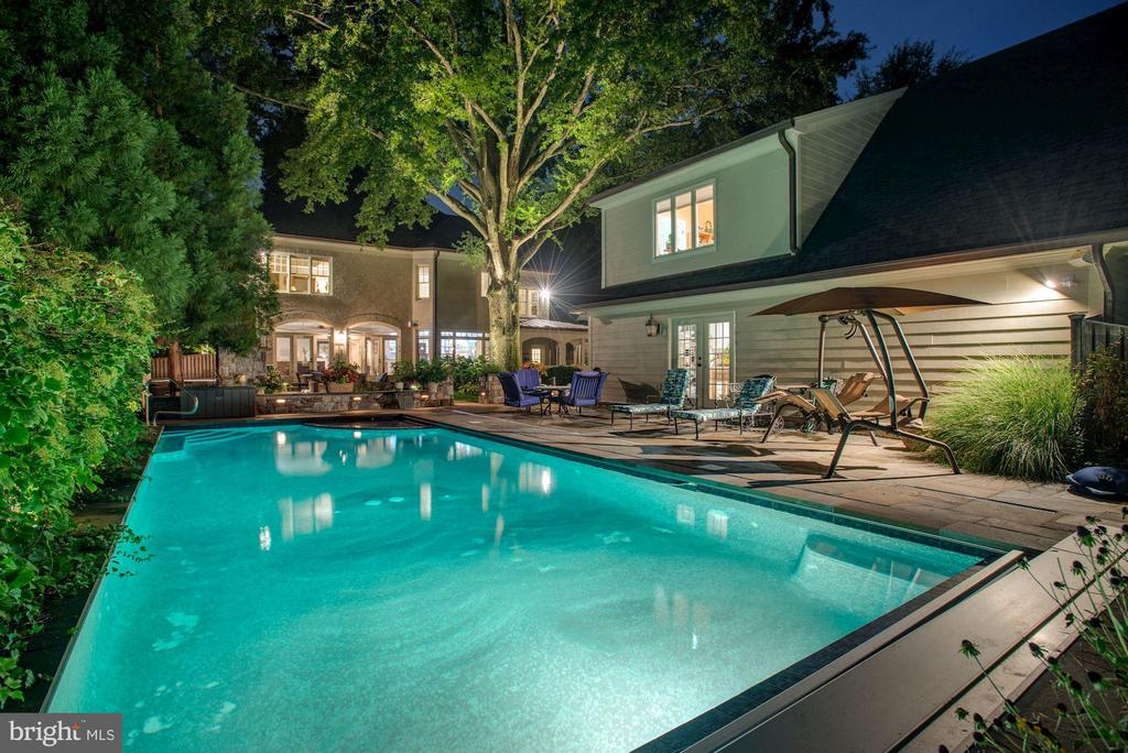 Pool, Spa & Guest House - 3629 N VERMONT ST, ARLINGTON