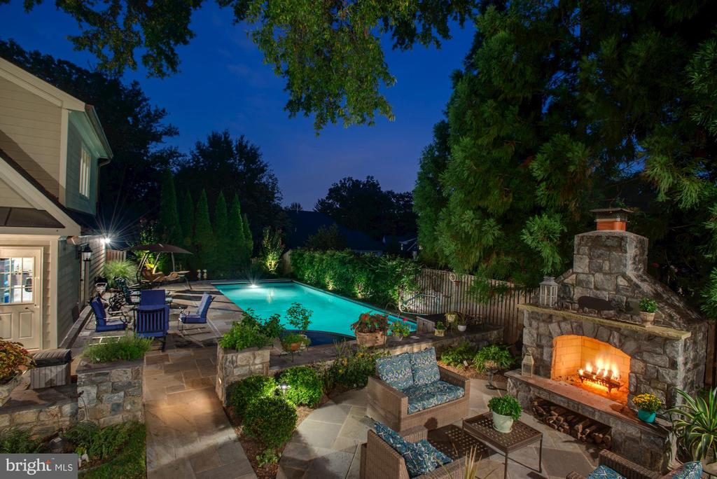 One-of-a-Kind Offering - 3629 N VERMONT ST, ARLINGTON