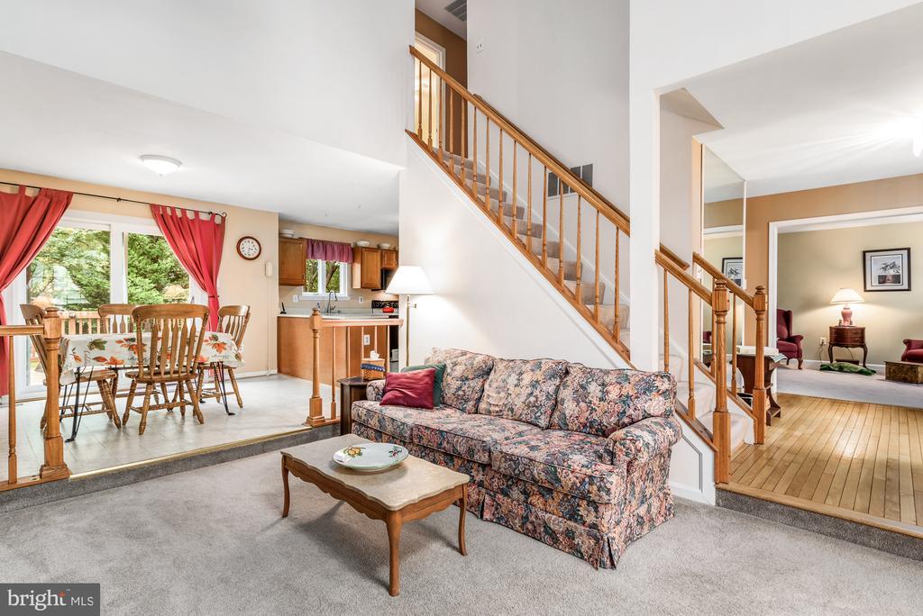 Great open floorplan - 507 STONEY CREEK CT, STERLING