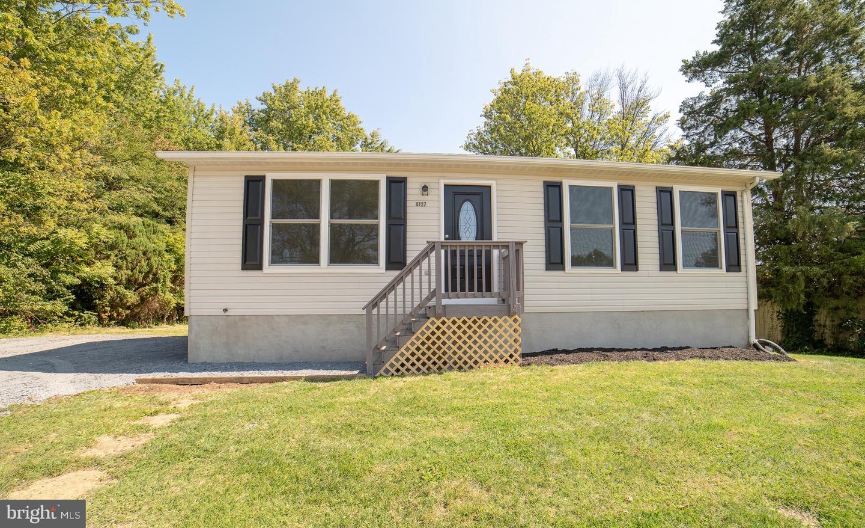 Single Family Homes para Venda às Knoxville, Maryland 21758 Estados Unidos